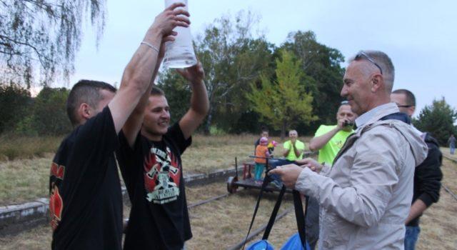 """""""Kolej naturystykę"""" – nawyścigi drezyn przyszło ponad 200 osób"""