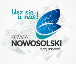 """Logo Powiatu Nowosolskiego """"Ucz się unas"""" natle pieniędzy"""