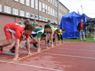 Start w biegu na 100 m chłopców