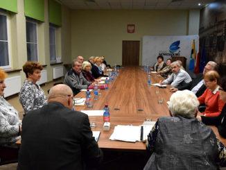 Na posiedzeniu Rady Seniorów Powiatu Nowosolskiego została przyjęta uchwała dotycząca programów zdrowotnych Powiatu Nowosolskiego