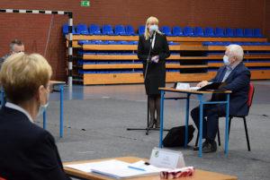 Starosta Iwona Brzozowska przekazała informacje dotyczące planów inwestycyjnych wLO